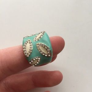 Turquoise & gold accent ring with crystals.